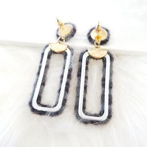 Jewelry - Gray faux fur leapord earrings